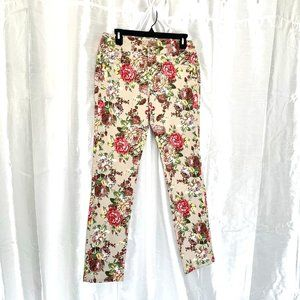 PERFECT for SPRING/SUMMER      FLORAL PRINT JEANS